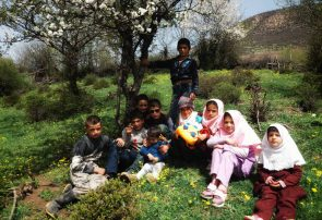 جوانه های روستای ییلاقی سقاچول تالش چشم به راه اقدام مسئولین اداره برق و اموزش پرورش و لطف خیرین