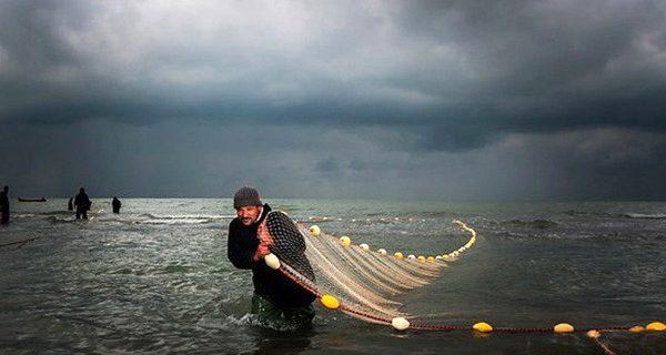 ۴ هزار صیاد گیلانی برای کسب روزی حلال دل به دریا میزنند